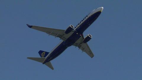 airplane ryanair 01 Stock Video Footage