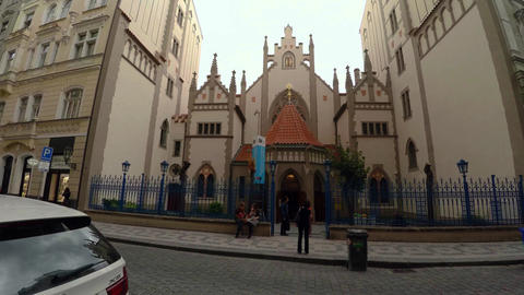 Jewish synagogue in the center of Prague. 4K Live Action