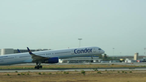 Boeing 757 Taking Off at Majorca Airport Live Action