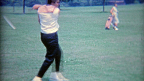 1964: 4 women playing golf during girls only vacation trip Footage