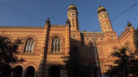 Jewish synagogue in the center of Budapest. 4K Footage