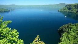 十和田湖と旋回する観光船 Footage