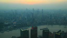 浦東新区と黄浦区のビル群と黄浦江 夕景から夜景 Footage