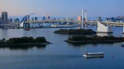 レインボーブリッジと東京タワーと行き交う船 夕景 Footage