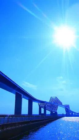 東京ゲートブリッジと太陽の光芒とタンカー Footage