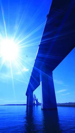 東京ゲートブリッジと太陽の光芒と飛行機 Footage