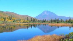 羅臼湖三の沼と羅臼岳の秋 Footage