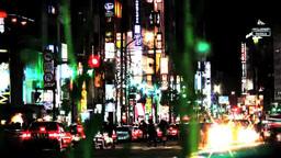 夜の街を行く人と車 Footage