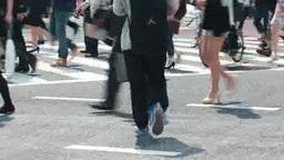 渋谷駅前スクランブル交差点の人の流れ Footage