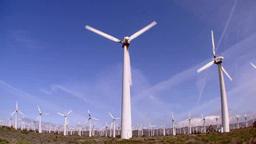 斜面に広がる風力発電 Footage