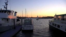 大型ボート超しの対岸の夕焼け Footage