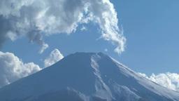 富士山と湧き上がる雲 Footage
