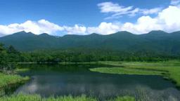 知床五湖の第一湖と知床連峰 Footage