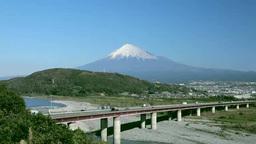 富士川SAから望む富士川と富士山と高速道路 Footage