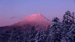 双岳台から望む朝焼けの雄阿寒岳 Footage