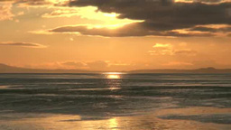 漁船と朝の国後島 Footage