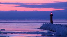 灯台と流氷とけあらしの夜明け Footage