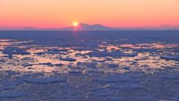 流氷と国後島からの日の出 Footage