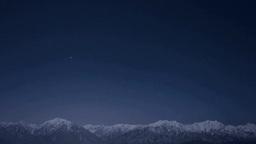 鷹狩山展望台から北アルプスと星空 Stock Video Footage