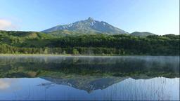 朝靄のオタトマリ沼と利尻富士 Footage