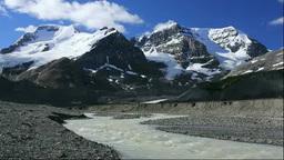 コロンビア大氷原のアンドロメダ山とアサバスカ山 Footage