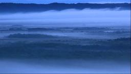 北斗のサテライト展望台から朝霧の釧路湿原 Stock Video Footage