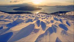 美幌峠から見る朝の屈斜路湖とシュカブラ Stock Video Footage