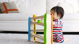 おもちゃで遊ぶ赤ちゃん Footage