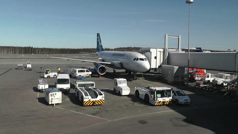 Helsinki Vantaa Airport 04 handheld Footage