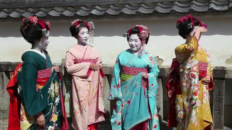 9of 10 People , geishas , japanese women , Kyoto , Japan , Asia ビデオ