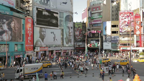 Crowds at ximending shopping area VWS 1 Live影片