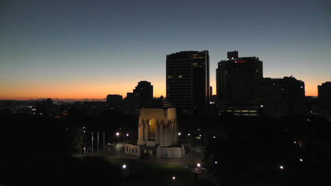 Sydney Anzac Memorial in Hyde Park 02 sunrise dawn Stock Video Footage