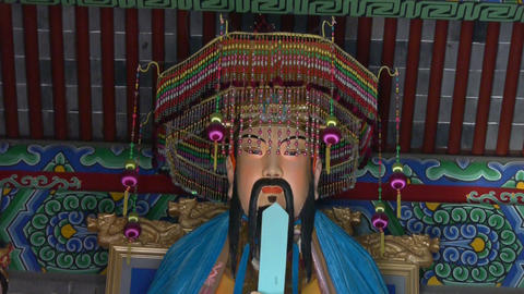 Taoist statues Buddha in door,Solemn face,Lord Lao Zi Stock Video Footage