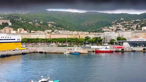 4K, Pan along the cityline of Nizza Live Action