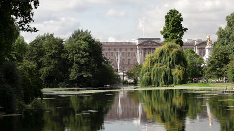 Lake at St James's Park and Buckingham Palace, London Stock Video Footage