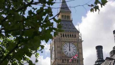 Big Ben clock tower, Westminster, London Live Action