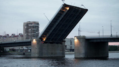 Drawbridge comes down Stock Video Footage