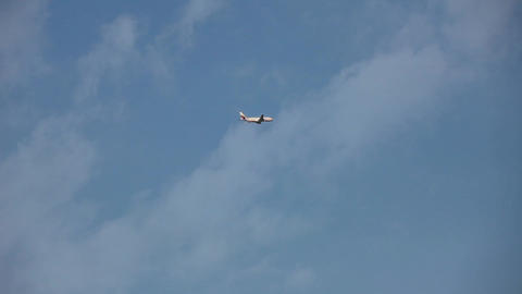 aircraft in flight Stock Video Footage