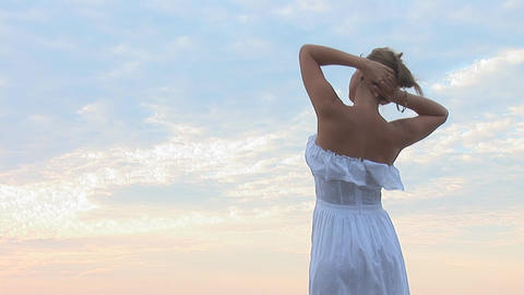 woman in white a Stock Video Footage