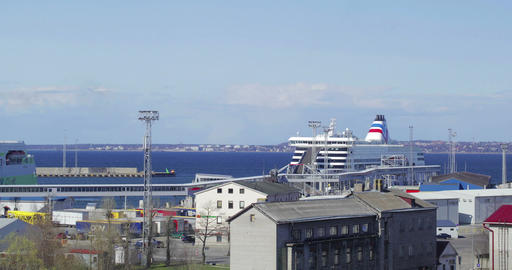 Arriving and departing passenger ships in the port Footage