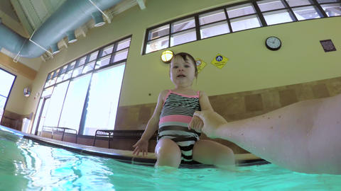 Toddler swimming Live Action