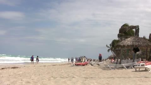 Tourists at Varadero beach ライブ動画