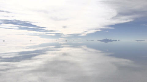 Reflection of Clouds in a Lake ビデオ