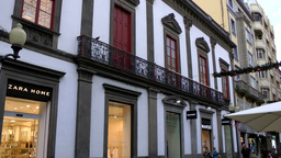 Spain Gran Canary Las Palmas city 016 shops in splendid old Calle Triana house Footage