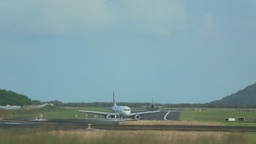 Airplanes taxiing Footage
